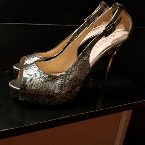 Guess peep toe pumps, sz 7 1/2 worn twice